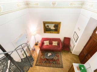 TREVISPAGNA CHARME APARTMENT - Rome vacation rentals
