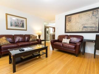2 bedroom House with Internet Access in Toronto - Toronto vacation rentals