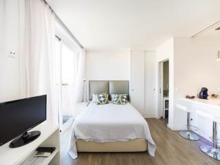 Nice 1 bedroom Condo in Lisbon - Lisbon vacation rentals