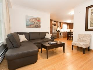 Cozy House with Internet Access and A/C - Toronto vacation rentals