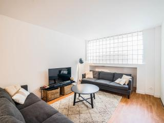 CHEMIN VERT 3 Loft for 15 (4 rooms) - Paris vacation rentals