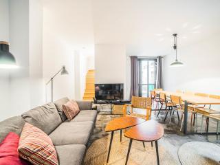 CHEMIN VERT 4 Loft for 15 (4 rooms) - Paris vacation rentals