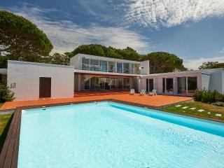 Villa Monte da Lua - Praia das Maçãs - Colares vacation rentals