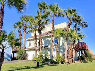 This 3 bedroom 3 bath home is located in beachfront Lost Colony Villas! - Port Aransas vacation rentals