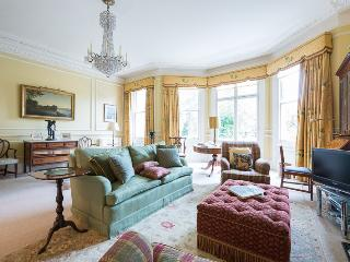 Brechin Place, pro-managed - London vacation rentals