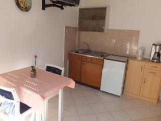 Studio Apartment 2 - Apartmani Justić - Supetarska Draga vacation rentals