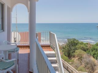Joplin Red Apartment, Olhos de Agua, Algarve - Olhos de Agua vacation rentals