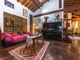 Casa Laura, quaint and stunning !!! - Vatican City vacation rentals