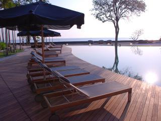 Cozy 2BR wifi apartment in Beachfront&pool condo - Hua Hin vacation rentals