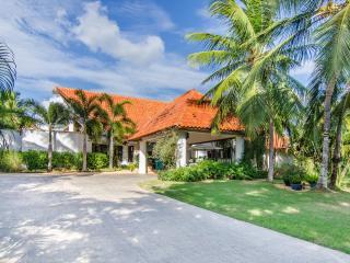 Almendros Villa IV, Casa de Campo, La Romana, D.R - La Romana vacation rentals