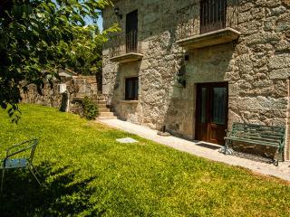 Casa da Adega - Quinta da Toural - Peneda Gerês - Arcos de Valdevez vacation rentals