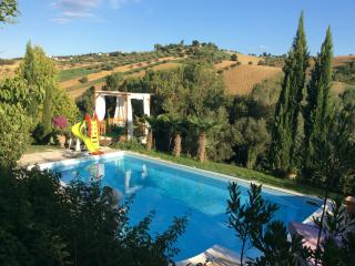 2 bedroom Villa with Internet Access in Sant'Omero - Sant'Omero vacation rentals