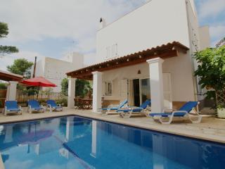 Villa Sofia | Walk to San Antonio | Modern | 5 Mins from Beach | Wifi & AirCon - Ibiza vacation rentals