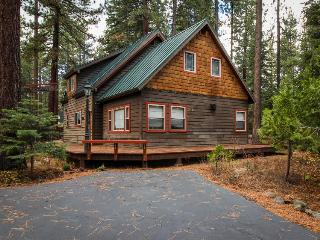 Walk your dog to the beach, then sit by the fireplace at this cozy home - Tahoe City vacation rentals