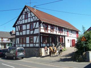 Denkmalgeschütztes Fachwerkhaus - Grunberg vacation rentals