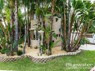 Pacific Beach Islander Vacation Home - Rooftop Deck and Hot tub! - Pacific Beach vacation rentals