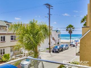 Nicely furnished 3 bedroom condominium home in Central Mission Beach! - Mission Beach vacation rentals