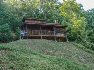 1 bedroom Cabin with Fireplace in Pigeon Forge - Pigeon Forge vacation rentals