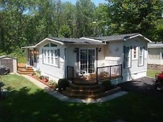 Bright Caravan/mobile home with Internet Access and A/C - Sherkston vacation rentals