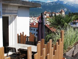 Suite 'Les Bulles - Lofts & Lakes' classée 4* - Annecy vacation rentals