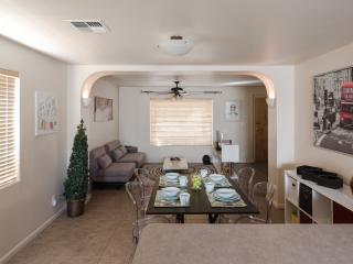 2 Bedroom House Close to All the ASU Hotspots - Tempe vacation rentals