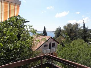 2 bedroom Apartment with Internet Access in Maslenica - Maslenica vacation rentals