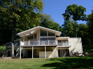 Nice House with Internet Access and Dishwasher - Stamford vacation rentals