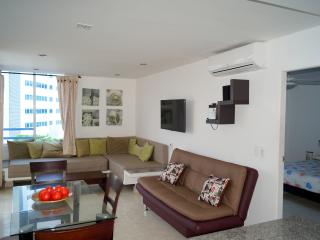 FANTASTIC CONTEMPORARY APARTMENT IN PRIME LOCATION - Cartagena vacation rentals