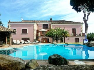 Torremare: holiday villa with a swimming pool - Carruba vacation rentals