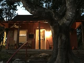 Ramsay's Cozy Cottage - Wimberley vacation rentals