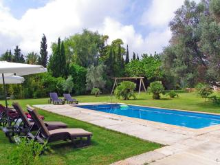 Bright Villa with A/C and Satellite Or Cable TV in Son Cervera - Son Cervera vacation rentals