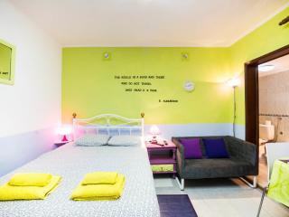 ORIENTE COSY STUDIO BY W2Lx - Lisbon vacation rentals