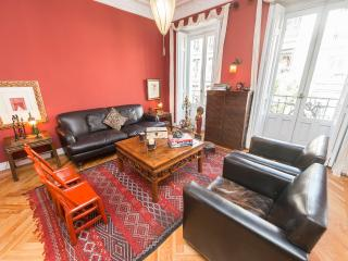 Elegant 3 bedroom in exclusive area of Madrid - Madrid vacation rentals