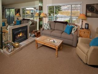 This vacation townhome and pool in Lionshead Village is a short walk to the Gondola. - Vail vacation rentals