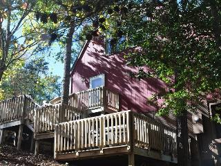 Slice a Heaven – Hot Tub, Incredible View, Fire Pit, Wi-Fi and More at this Conveniently Located Mountain Paradise - Bryson City vacation rentals