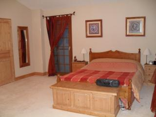 High standard, very spacious revov farmhouse Tarn - Aguts vacation rentals