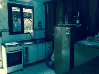 """Casa com """"PISCINA"""" há 450 metros da Praia - Barra Velha vacation rentals"""