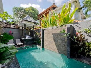 3Bed Cozy Villa in OBEROI / EATSTREET - Seminyak vacation rentals