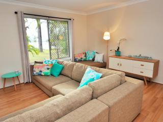 Beautiful 4 bedroom North Stradbroke Island House with A/C - North Stradbroke Island vacation rentals