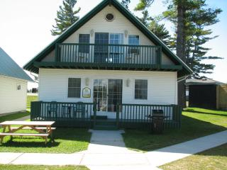 Spacious Waterfront Chalet Cottages - Alexandria Bay vacation rentals