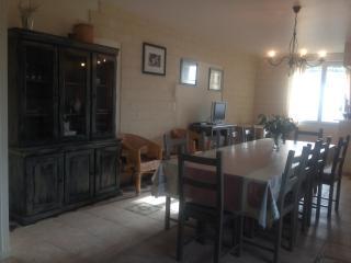 LES PIEDS DANS L'EAU villa 12 pers.  vue sur la mer - Dieppe vacation rentals