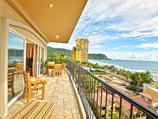 Amazing Vista Mar Penthouse, Great for Party, in the heart of Jaco Beach! - Jaco vacation rentals