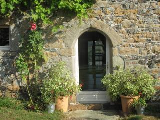 The Longhouse near sandy beach, huge garden, WIFI - Plougasnou vacation rentals