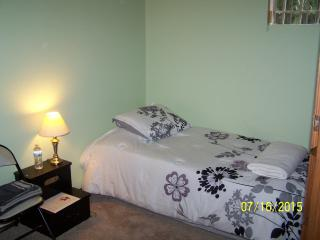 North Beacon Hill Zen Room w/ Parking - Seattle vacation rentals