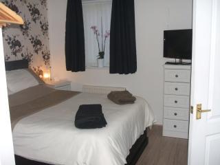En-suite, Light breakfast, Parking in a Homeshare - Blackpool vacation rentals