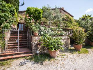Le Scalette, Enchanting 3 Bedroom Villa in Tuscany - Scandicci vacation rentals