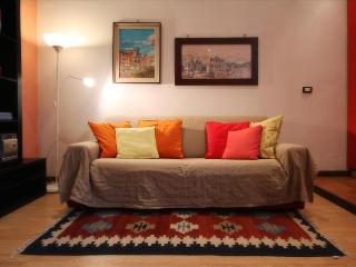 Colorful Appartamento Porta Romana - Milan vacation rentals