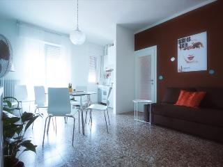 Magenta24 - free wifi - 6 people - Lecco vacation rentals