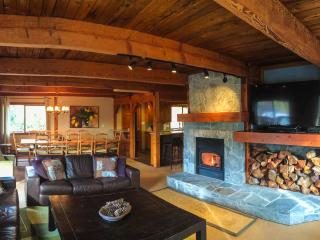 Comfortable Chalet with Deck and Internet Access - Whistler vacation rentals