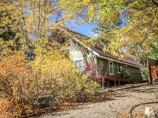 3 bedroom House with Television in Big Bear City - Big Bear City vacation rentals